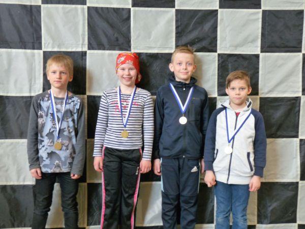 1-3 lk sarjan voitti Vuoniityn koulu Helsingistä