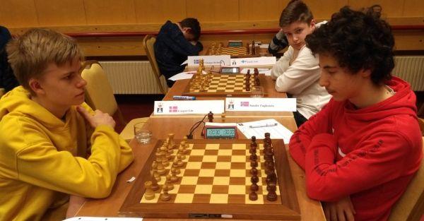 Oliver Wartiovaara voitti hienosti valkeilla vastustajansa 2. kierroksella